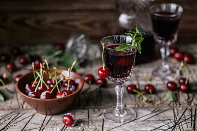 Как приготовить спиртовую настойку на вишне