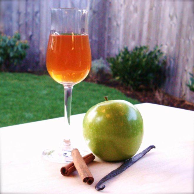 Польза яблочных настоек из самогона