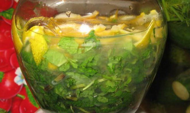 Настойка на лимоне и самогоне с мятой
