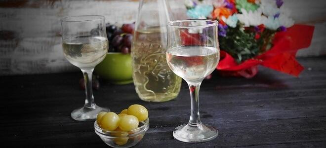 Вкусная настойка на винограде