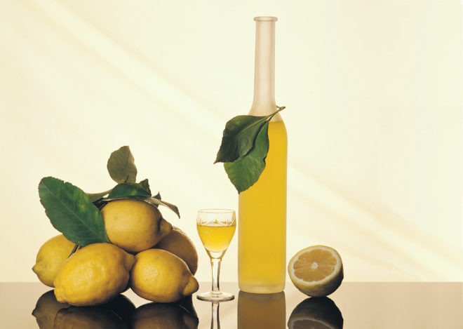 Быстрый рецепт настойки на лимоне и самогоне