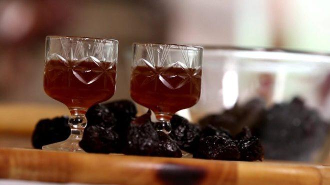 Настойка самогона на черносливе рецепт с пряностями