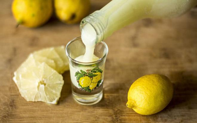 Вкусный рецепт настойки на лимоне и самогоне