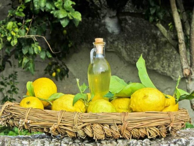 Настойка на лимоне и спирту