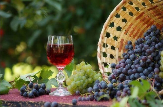 Полезная настойка на винограде