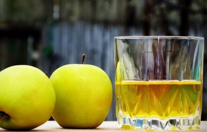 Яблочная настойка на бренди с мятой
