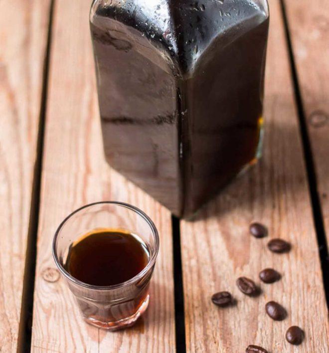 кофейный ликер стопка графин зерновой кофе