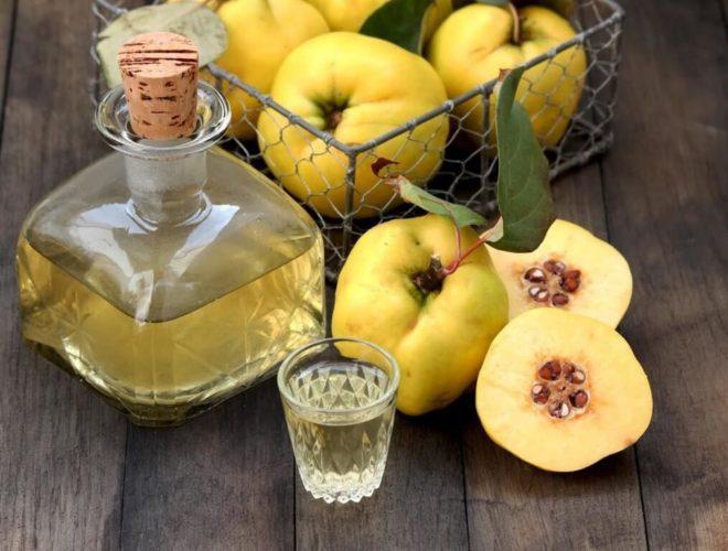 Чем полезен спиртной напиток из айвы